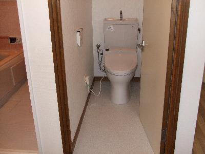 ウォシュレットトイレに取替え