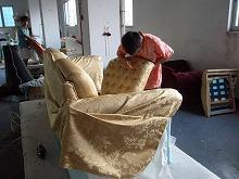 高級ソファーの仕上げ