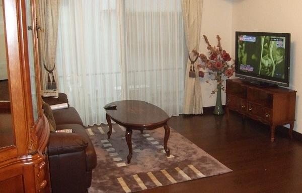 リビングテーブルとテレビ台