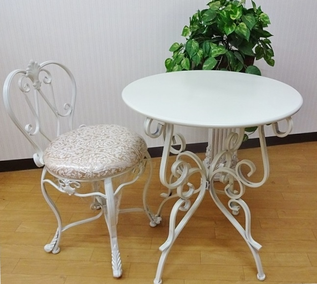 白いコーヒーテーブル 丸テーブル