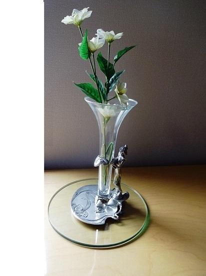 イタリアの錫製の一輪挿し 花器 花瓶