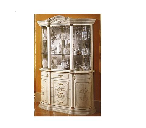 クラシックなイタリア家具 ロココ調で白い艶のある鏡面仕上げ