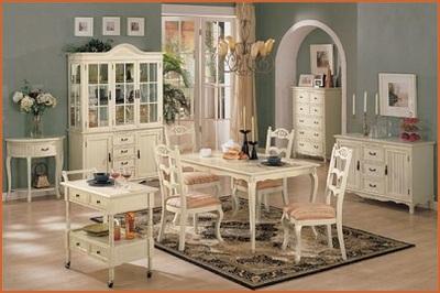カントリー家具の白家具