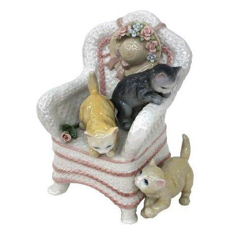 陶器 リアドロ風 置物 椅子と子猫たち プレゼント 贈り物 お祝い 贈答品用 アンティーク リアドロ風 81872