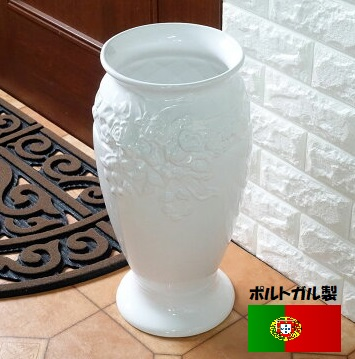 ポルトガル製、陶器の傘立 白 ホワイト ローズレリーフ バラ 薔薇 7009W