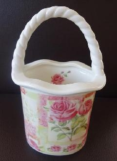 可愛い陶器のバスケット シュガーポット