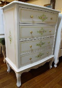 【展示現品売り尽くし】輸入家具、白家具 COMO�U4段チェスト 128