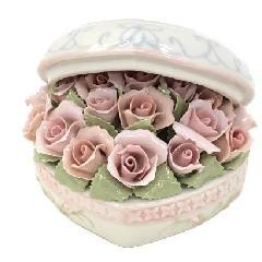 オルゴール 陶器 リアドロ風 フラワーバスケット お花 結婚お祝い 贈り物 プレゼント 81869