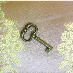 イタリア製 アンティークキー 鍵  999-1