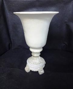 アンティーク風花器 花瓶 陶器 フラワーベース 白 おしゃれ。 生花や造花と合わせて、アンティーク調の可愛い陶器のフラワーベース F317