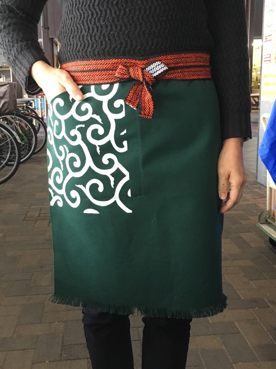 ポケット付き帆前掛 (ポケット部分唐草プリントのみ)緑色   綿100%