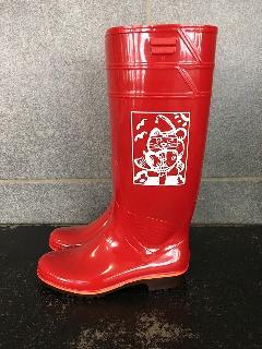 ザクタス耐油長靴  Z-01 (レッド)日本製 長靴を履いた招き猫入り