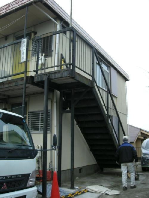 神奈川県横浜市南区アパート鉄骨階段交換工事