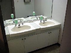 貸しビル 洗面台交換