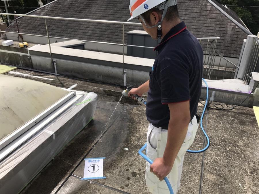 屋上のコンクリート部分散水
