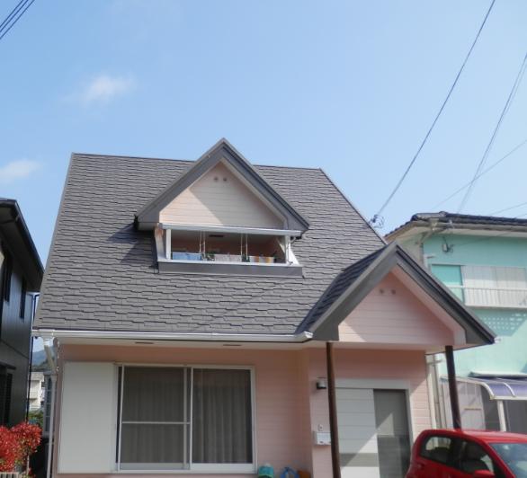 熱交換塗料で屋根を塗装し、外壁も新しく塗り替えました。カラー:シャドーブラック