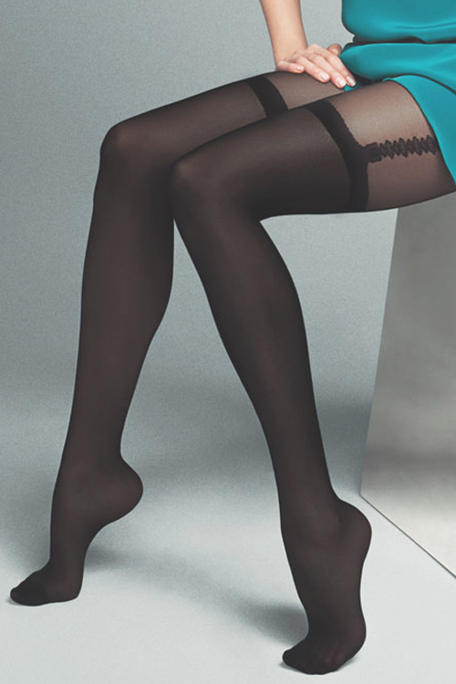 40-20デニール 黒 ガーター切り替えデザイン入り パンティストッキング  (DALIA)