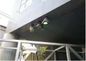 屋外の水銀灯