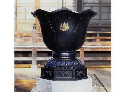 蓮型天水桶【一対】(104-02)