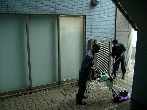 エントランス清掃