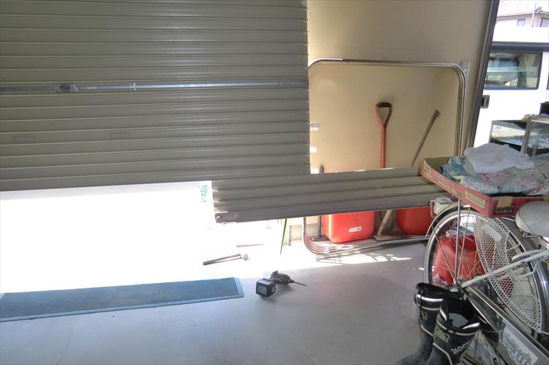 車庫のシャッター修理