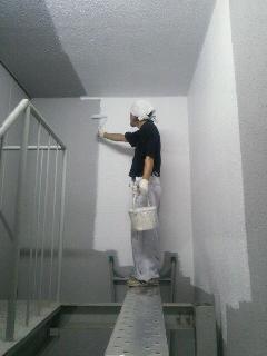 新宿 鉄骨階段・壁面塗装工事
