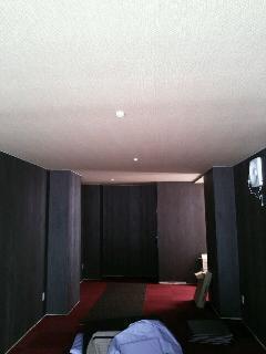 中央区日本橋  店舗  天井・壁クロスの貼り替