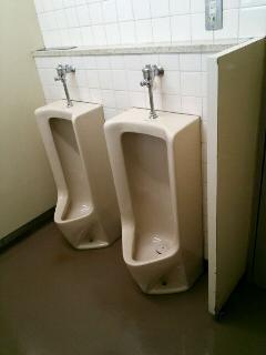 渋谷区オフィスビル  トイレ内装変更 施工前