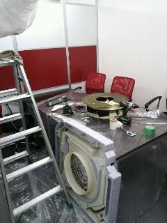 台東区 オフィスビル 天井カセット業務用エアコン内部クリーニング