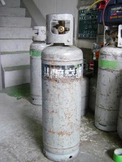 フロンガス回収 20kgボンベ