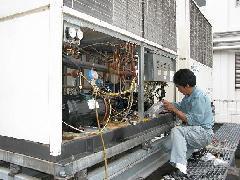 川崎市 某大学病院のチラーユニット(冷水機)の整備