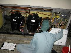 川崎市 ゴミ処理場のエアコン点検