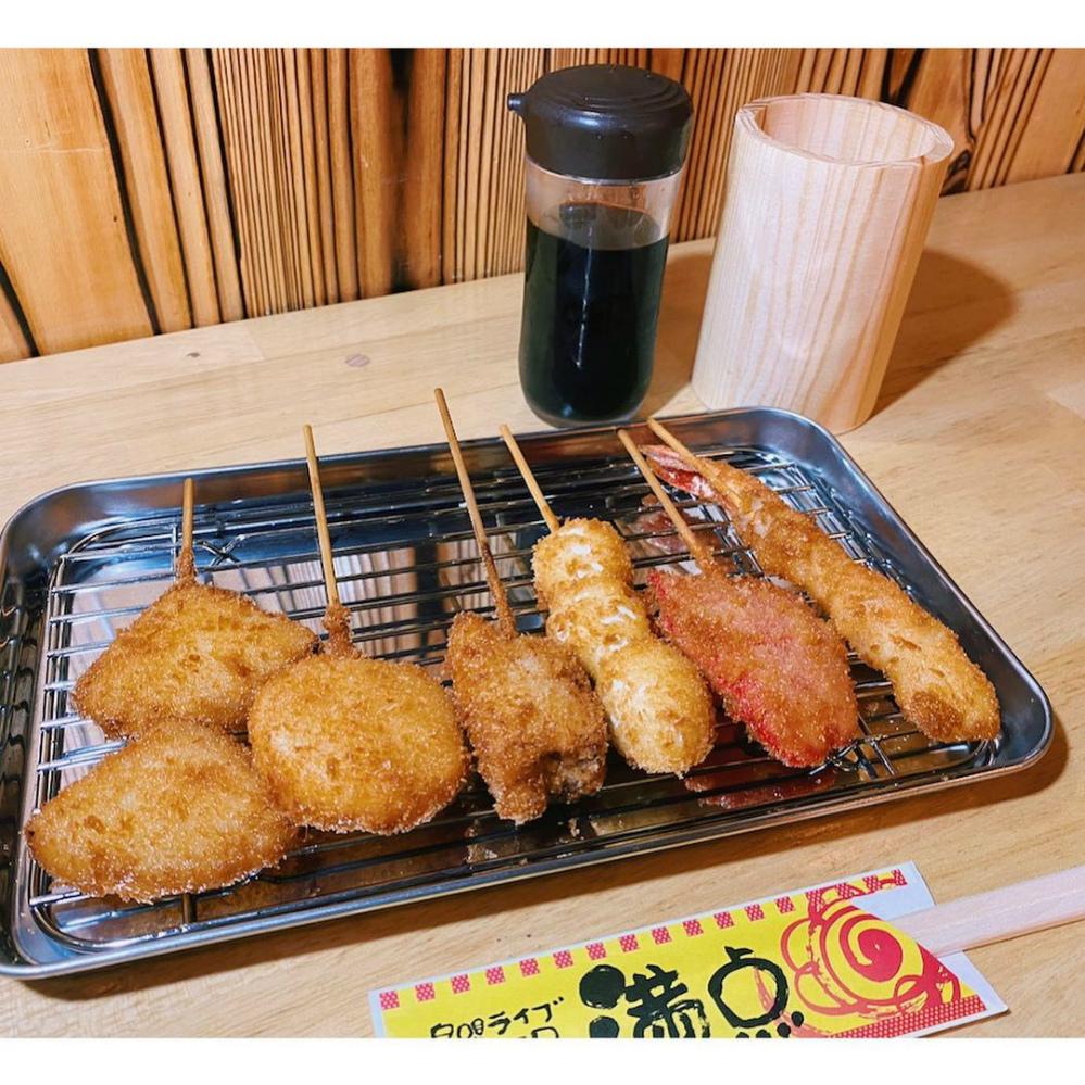 串盛り(たまねぎ/長いも/紅ショウガ/うずら卵/エビ/豚肩ロース)