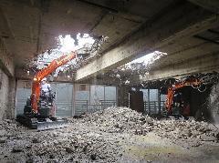東海キヨスクRC造建物 階上解体工法 にて解体撤去工事