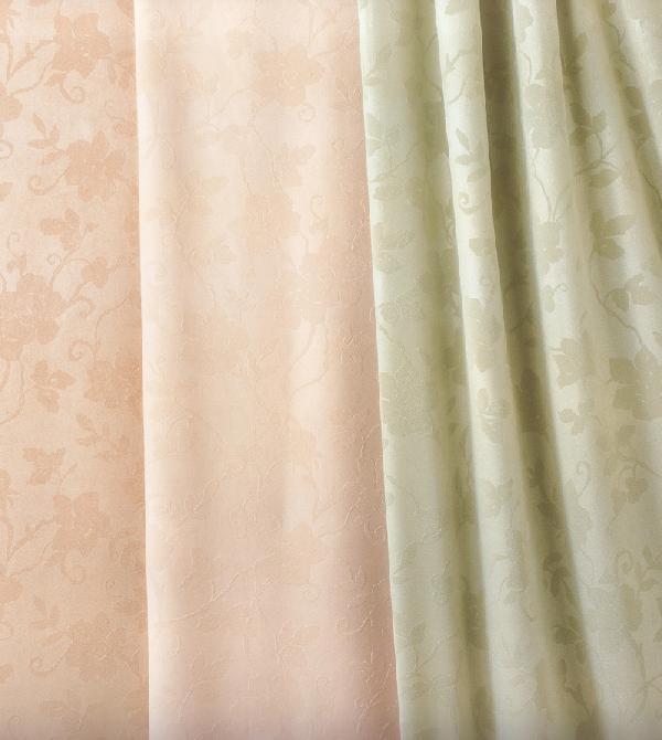 エンボス加工のカーテンです。カーテン 大阪