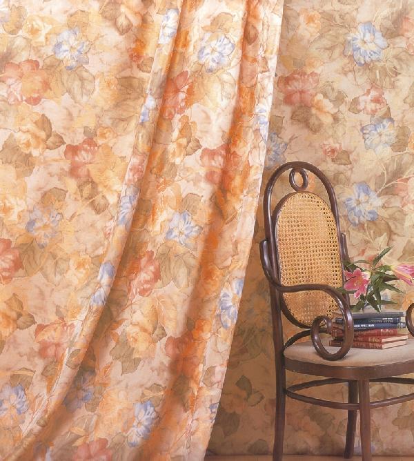 輸入カーテンです。オーダーカーテンらしいカーテンです。カーテン