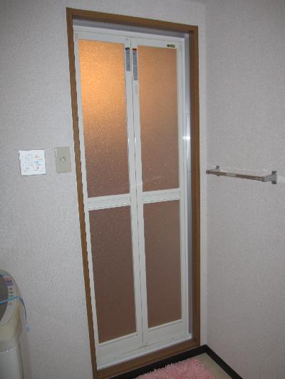 ユニットバス浴室扉・開きドア→折戸に変更