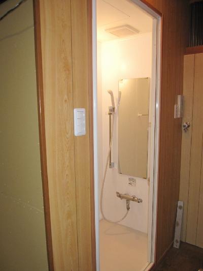 シャワールーム取付工事【大阪市】