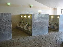 磁器タイルに施工(公営温泉施設)