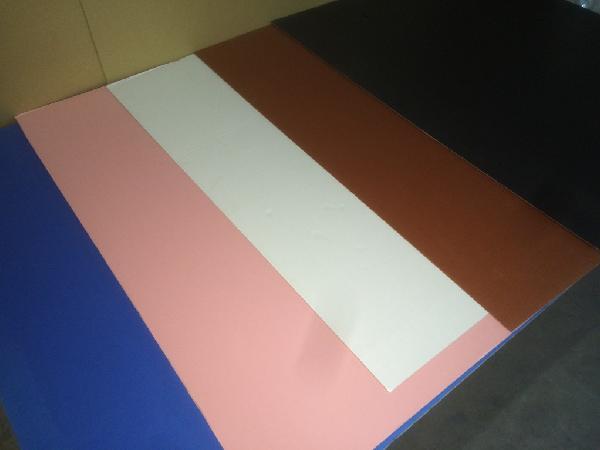 カラー段ボール