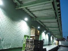 千葉 某物流倉庫様 庇下照明LED工事