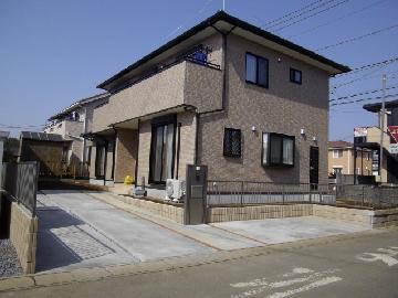茨城県Y様邸のフェンス・門扉など外構工事を行いました。
