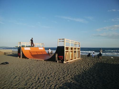 辻堂海岸イベント前日設営時。