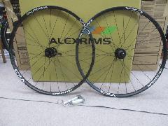 ALEXRIMS VED4 TUBELESS READY wheel set/アレックスリム VED4 27,5インチ=650B チューブレスレディー対応 ディスクブレーキ専用 ホィールセット!特価で入荷中!