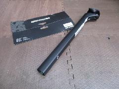 2020 HollowGram SL 27 KNOT Carbon Seatpost/2020モデル ホログラム SL 27 ノット カーボンエアロ シートポスト 15mmオフセット 品番(K2601015) 特価中!