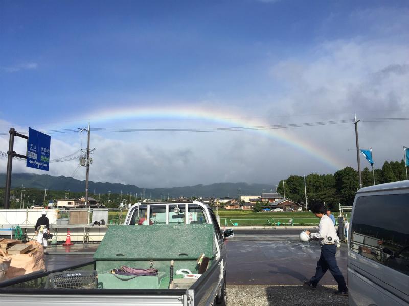 台風一過の虹