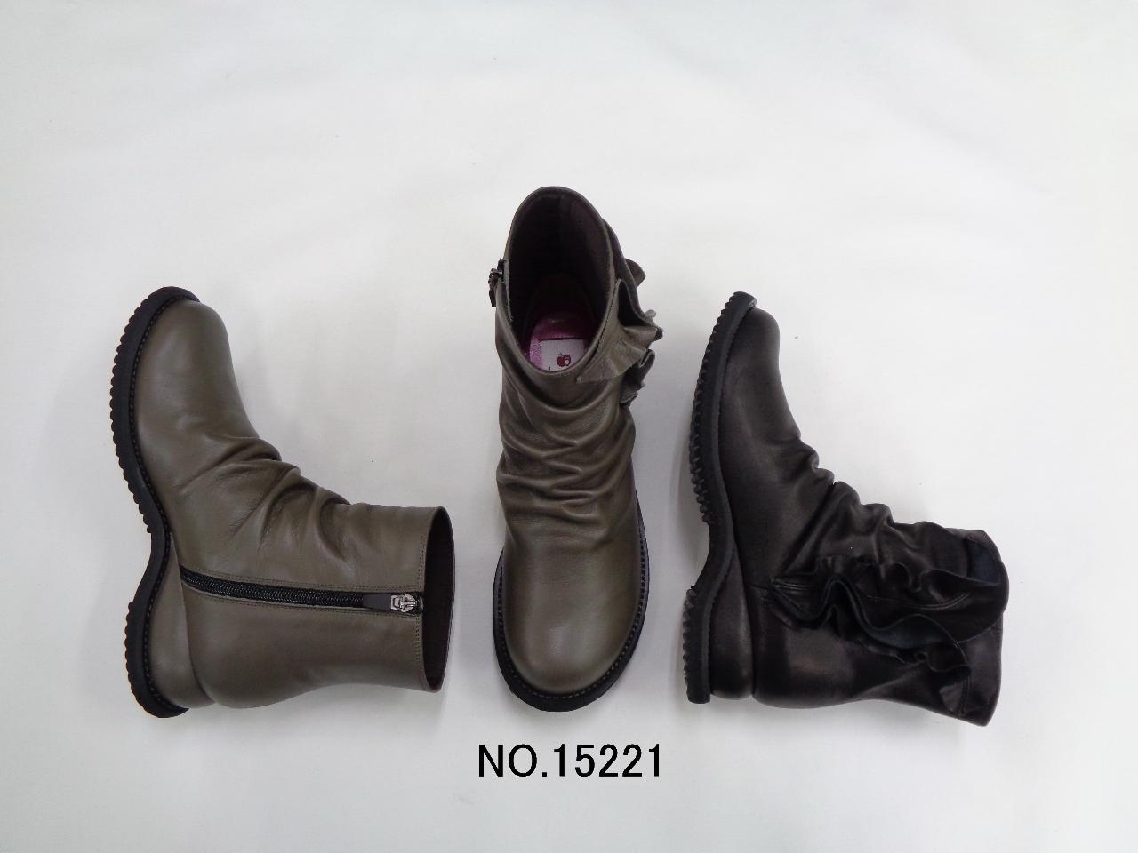 No.15221 優しいシャーリングとフェミニンフリルのブーツ