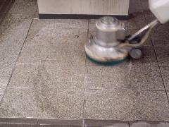 マンションの床清掃 御影石の洗浄