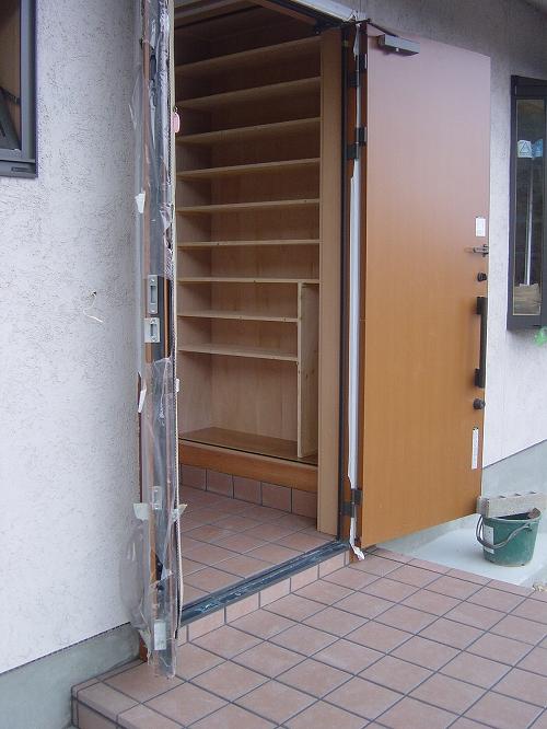 造り付けの玄関収納