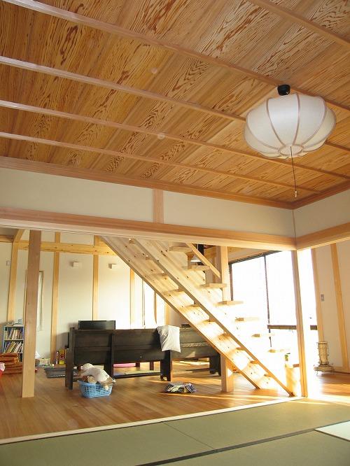 和室からリビング階段